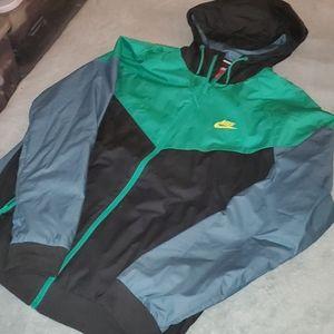 Nike Windbreaker mens size XL worn once